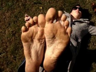 Marilyn Dirty Feet Outdoors