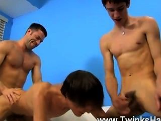 Gay Xxx Dean Holland And Nathan Stratus Both Take Turns Servicing