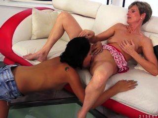 Old & Young Lesbian Love, Coco De Mai & Lannie