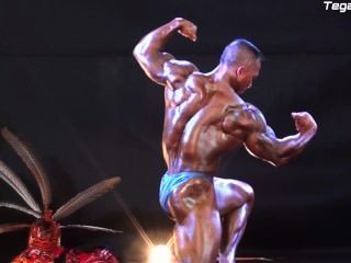 Asian Musclebull Guest Posing