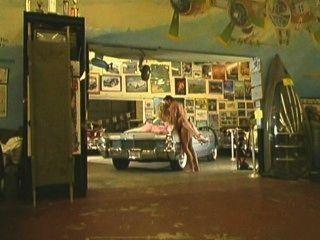 Chloe Jones - In The Garage
