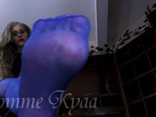 Worship Her Big Blue Pantyhose Feet