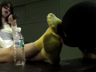 Korean Yellow Socks Worship