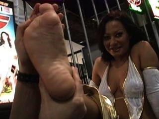 Sandra Gettin Toes Sucked