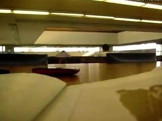 Paja En La Biblioteca
