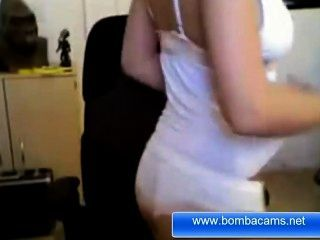 Anne Marie Hot Blonde From Bombacams.net Show Us Her Body