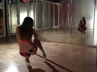 Leingh Ann Pole Dance