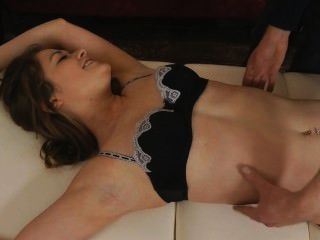 Uktickling - Louisa Can't Take Anymore