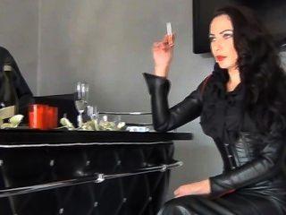 Fetish Diva Nadia Smoking 1