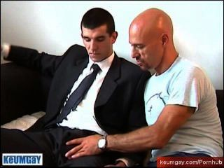 Straight Guy Get Sucked A Lot By A Guy In Spite Of Him !