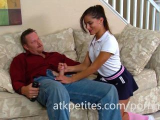 Latina Chichi Medina Gives A Hand Job