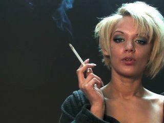 Loulou Elegantsmoking