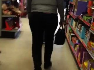 Candid Family Dollar Booty