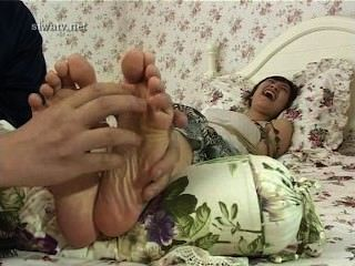 Tickle Chinese Girl Fish 1