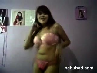 Chubby Pinay Dance Topless