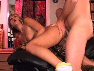 Horny Cock Sucking Blond Takes * Ananas4.blogspot.com *
