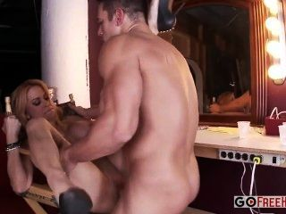 Horny Blonde Alyssa Lynn With Huge Boobs Fucked And Takes Facial