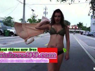 Official Free Public Flashing In The Street Video Sophia Grace - Mofoscom