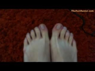 Mary Lynch - Blonde Pregnant Mom Showing Her Dirty Feet