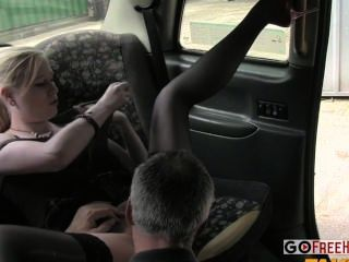 Girl In Car Gives Rim Job To Guy And Sucks Him Off