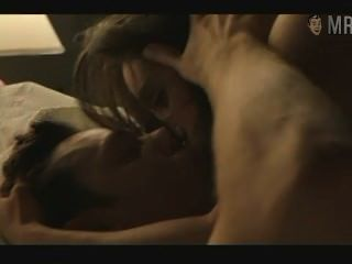 Jennifer Connelly Puts On A Show With Her Lover Mmm