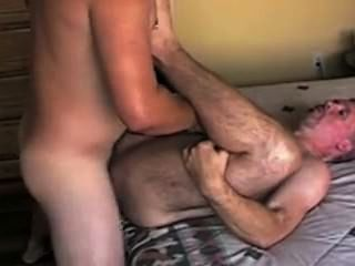Craigslist Hook-up: Younger Guys Cums In Older Guys Ass