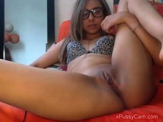 Hot Brunette Webcam Show