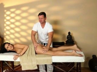 Paisley Parker Massage
