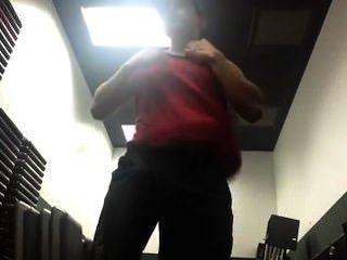 Brazilian Twink Working His Muscle /twink Brasileira Trabalhando Sua Muscle
