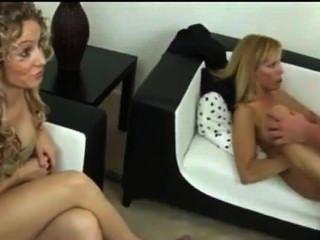 Mutter Erwischt Sohn Und Tochter Beim Porno Schauen Darum Fick