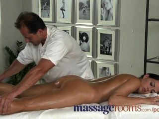 Massage Rooms Beautiful Young Girl Enjoys Orgasm From Experienced Teacher