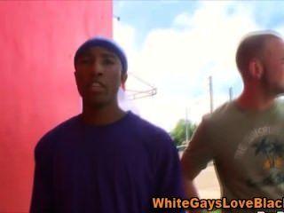 Whitey Outdoor Black Thug Blowjob