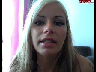 Blond Sexy Smoking Webcam