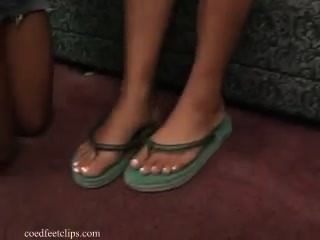 Sexiest Foot Worship And Smelling 2 Ebony Girls With French Peds