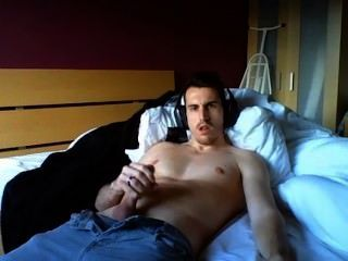 English Hot Man Cums On Cam