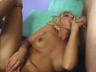 Sindy Incredible Double Vaginal Squirt