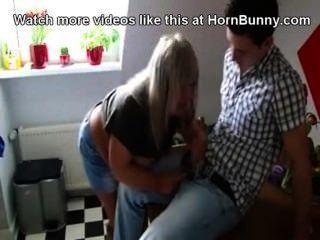 Step Mom Gives Her Step-son A Blwojob