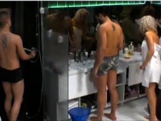 Swedish Reality - Nicklas Shows All In Shower