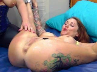 Sookie and Tallulah in sub slut piss drinking piss play lesbo pee video