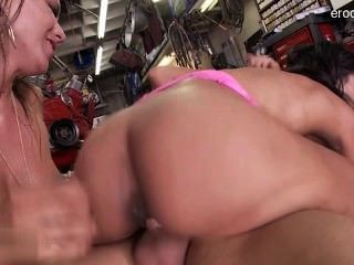 Wet Shaved Pussy Analsex