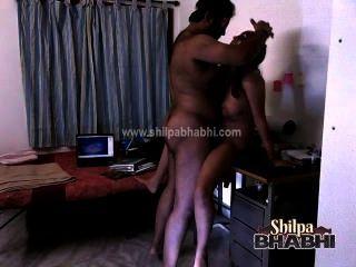 Indian Hardcore Sex Shilpa Bhabhi Fucked By Raghav On Table