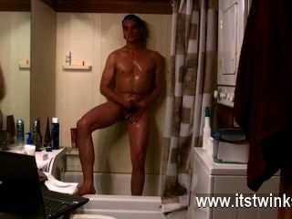 Gay Clip Of Some Dudes Sing In The Shower, Others Stroke The Spunk From