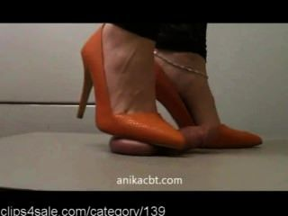Hot Crush Action At Clips4sale.com