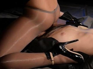 Blindfolded Woman Gets Fuck By Strap On