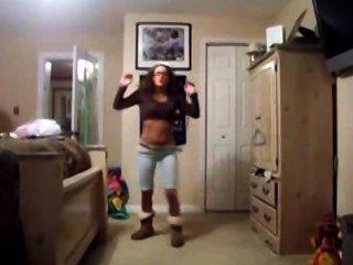 Teen Shaking Ass