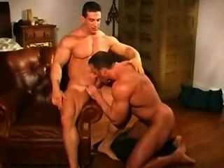 Sam And The Hot Bodybuilder