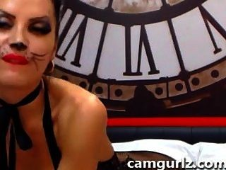 Cam Amateur Feline Catwoman Does Anal With Dildo