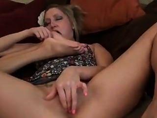 Lesbian feet tickle